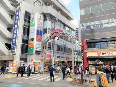活気に満ちた「駅前」と落ち着いた雰囲気の「住宅街」が同居する「荻窪駅」