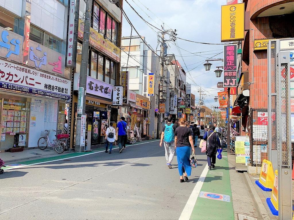 駅前の商店街「ゆりーととくまる(徳丸商興会)
